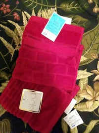 2 NWT red velour SPA Washclothes  Laurel, 20724