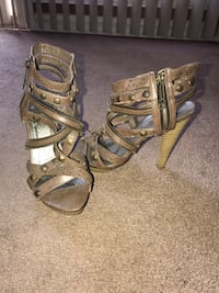 pair of brown leather open-toe strappy heels Downey, 90241