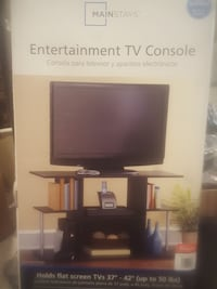 Entertainment tv console  Brentwood, 11717