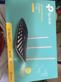 Tp-link dual band wireless router Whitby, L1N 3R1