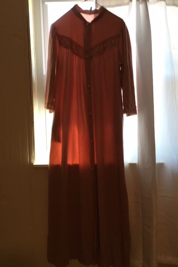 Robe Size M-available 0
