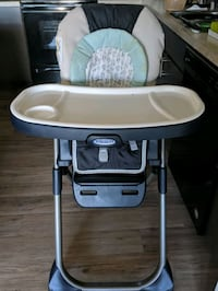 baby's white and gray Graco high chair Fredericksburg, 22406