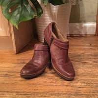 Brown ankle boots 9.5 Toronto, M9A 4R7