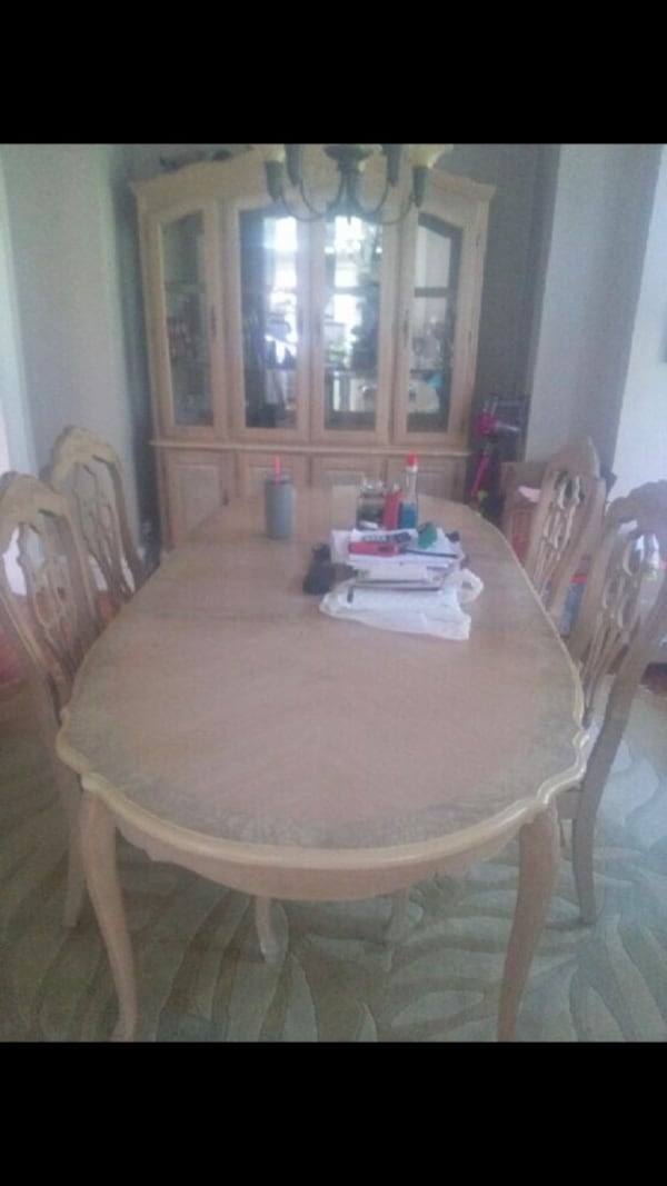 Used Whole Dining Room Set Sold