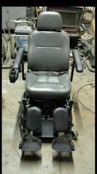 gray and black power chair