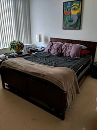 Queen sized bed frame with head amd foot boards Washington, 20005