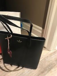 Kate Spade- leather tote new Toronto, M1M 2G2
