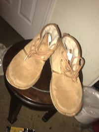 Uggs with ugg cleaner kit