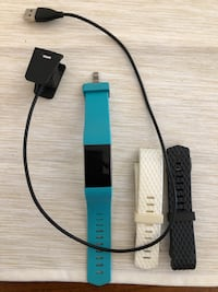Fitbit Charge 2 with charger and extra bands Toronto, M4K 1A4