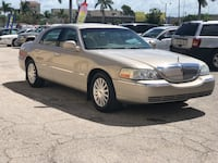 Lincoln - Town Car - 2004 North Fort Myers, 33917