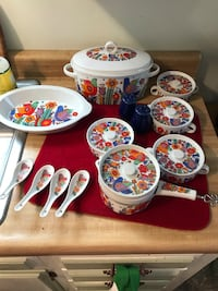Antique mid century Royal Crown Paradise bakeware set/ check EBAY price you will love mine/ price is firm Bakersfield, 93308
