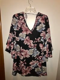 black, red, and gray floral v-neck top Beech Grove, 46203
