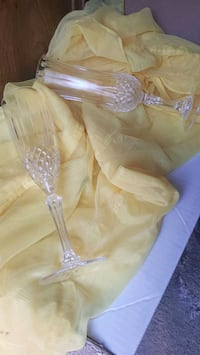 Crystal wine glasses  Lethbridge, T1H 2K5