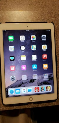 iPad pro rose gold 9.7 32GB wifi and cellular  Jacksonville, 32244