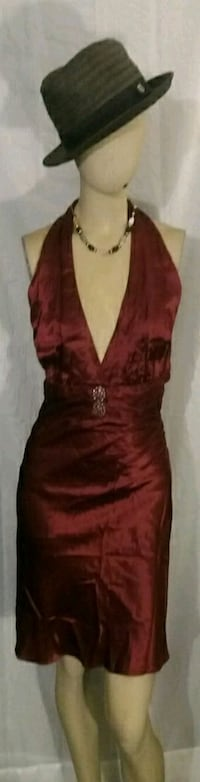 Yes it's new size medium 6 7 8 very fine dress