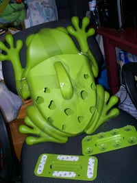 green frog plastic container device Ontario, K0K 1V0