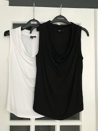 2 Icone Tops from Simons, size small . Montréal, H1J