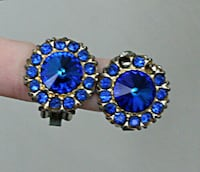 Vintage Shiny Blue Crystal Rhinestone Clip On Earrings Round Silver Tone Flower- READ AD Hicksville