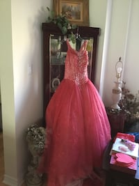 Fusion red gown,available in small to medium size Brampton, L6Z 0B4
