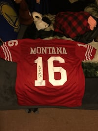 Red and white signed Montana 16 jersey shirt Rohnert Park, 94928