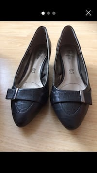 Pair of black leather shoes size 5.5 but like 6 Bromley, BR1 5NH