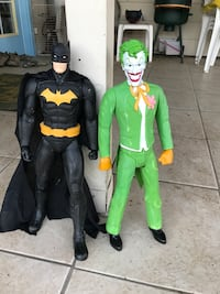 Batman and Joker Vancouver, 98684