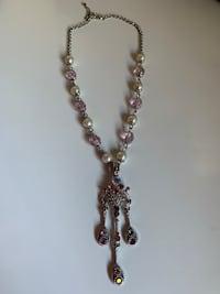 Pink necklace brand new -miss one stone 3744 km
