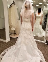 Brand new wedding dress in its original condition, still with the tag size12 Ivory color 라 미라다, 90638