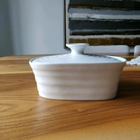 Sophie Conran for Portmeirion butter dish. White.