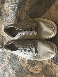 pair of gray Vans low-top sneakers 139 mi