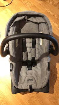 Urbini car seat- excellent condition Calgary, T2P 5J4