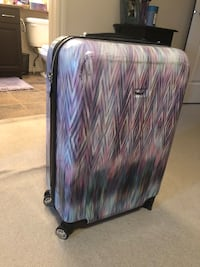 Medium size suitcase Edmonton, T6X 0N1