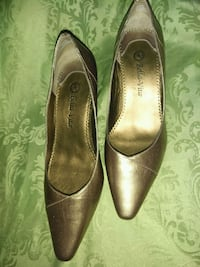 Bella Vita gold pumps Rockville, 20850