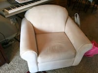 Off-white fabric padded sofa chair Fort Worth, 76120