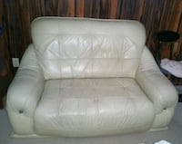 LEATHER LOVE SEAT  Markham