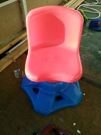red and blue plastic chair Lakeland, 33815