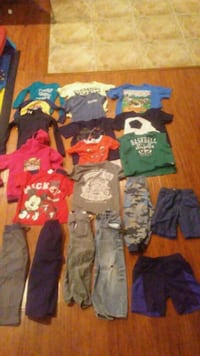 Toddler boy clothes 5t/6t Hesperia