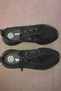 FREE - brand new never worn People shoes