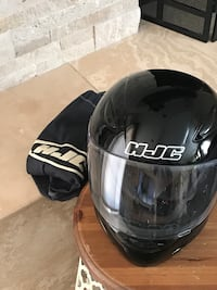 Black Youth motorcycle helmet (DOT) with bag. Only worn a few times. Great condition  Santa Maria, 93455