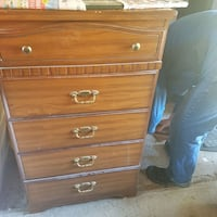 solid wood chest of drawers Roslin, K0K 2Y0