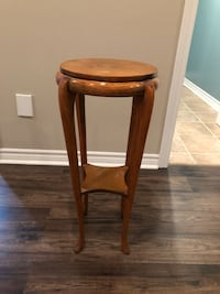 round brown wooden side table Bowmanville, L1C 4P1