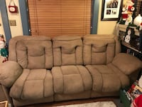 Couch tan, 8 ft, 2 massaging recliners, only 1 works, needs cleaning 2280 mi