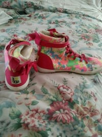 Uggs size 71/2 womens Spring Valley, 91977