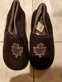Men's Toronot Maple Leaf Slippers Vaughan, L4H 1G5
