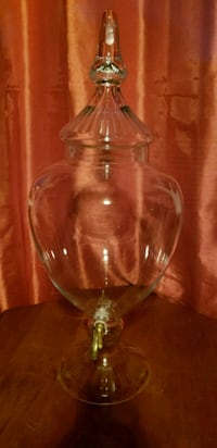 clear glass footed wine glass Nashua, 03064