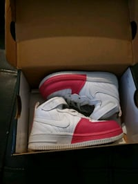 pair of white Nike Air Force 1 shoes with box Castro Valley, 94546
