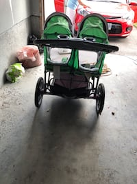 baby's white and green twin stroller Bowmanville, L1C 4P7