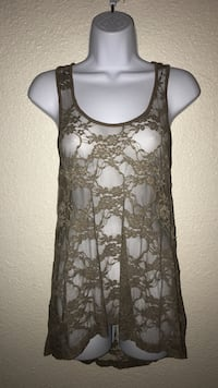Medium Women's gray and white floral tank top