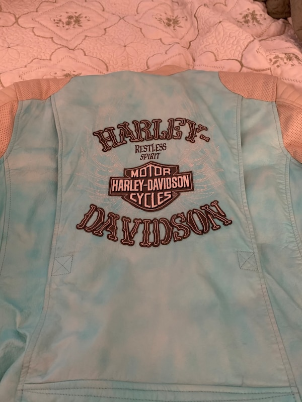 Leather ladies Harley jacket a86b18ad-896c-4379-a3e4-ecdce502be2d
