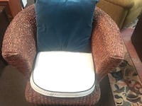 Beautifully made wicker chair comes with cushions Durham, 27560